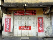 Soda nei piccoli vicoli di Mumbai, Bandra Fotografia Stock Libera da Diritti