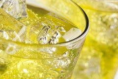 Soda verde da bebida da energia imagens de stock