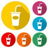 Sodaikone, Getränkikone, Wegwerfschale, Farbikone mit langem Schatten Stockbild