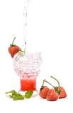 Sodas italianas de la fresa en el fondo blanco Foto de archivo