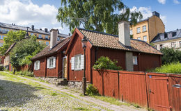 Sodermalm Sztokholm: Starzy mieszkaniowi domy przy Skeppargränd zdjęcia stock