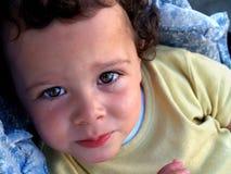 słodki mały chłopiec płacze Zdjęcia Royalty Free