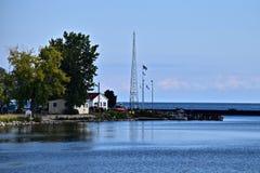 Sodus点小游艇船坞的美国海岸卫队 库存图片