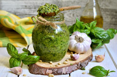Soße Pesto Stockfotos