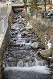 Soelden 奥地利 手段滑雪 小河在城市 免版税库存照片