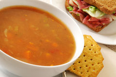 Soep en sandwich Stock Afbeelding