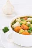 Soep met groentengroente in kom Stock Fotografie