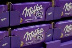Soest, Германия - 8-ое января 2018: Шоколад Milka для продажи в супермаркете Milka бренд confection шоколада который стоковые изображения rf