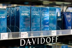 Soest, Alemania - 3 de enero de 2019: DAVIDOFF perfuman en venta en la tienda imágenes de archivo libres de regalías