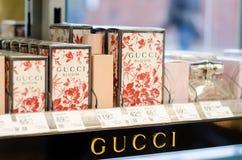 Soest, Alemania - 3 de enero de 2019: GUCCI perfuma en venta en la tienda foto de archivo
