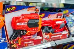 Soest, Duitsland - Januari 12, 2019: NERF Toy Guns voor verkoop stock afbeelding