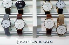 Soest Niemcy, Styczeń, - 14, 2019: Kapten & synów zegarki w sklepowym okno zdjęcie stock