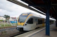 Soest Tyskland - December 26, 2017: Regionalt drev för Eurobahn drev på järnvägsstationen royaltyfria foton