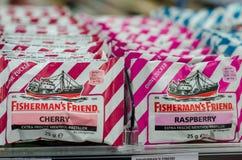 Soest Tyskland - Januari 3, 2018: Fiskares vänromb som är till salu i supermarket Fiskarens vän är ett märke av stron fotografering för bildbyråer