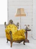 Sofà del Victorian nella stanza bianca Fotografia Stock Libera da Diritti