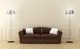 Sofà di cuoio del Brown nella stanza luminosa Fotografie Stock