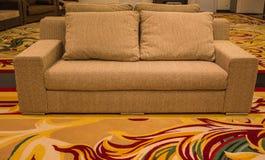 Sofà e tappeti Fotografia Stock Libera da Diritti