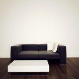 Sofà nell'interiore moderno con la rappresentazione 3d Fotografia Stock
