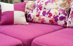 Sofà rosa Fotografia Stock Libera da Diritti