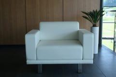 Sofá blanco Foto de archivo