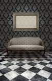 Sofá clássico no assoalho de mármore Foto de Stock Royalty Free