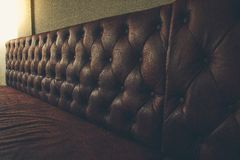 Sofá de couro marrom do vintage Foto de Stock Royalty Free