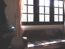 Sofá de cuero marrón del vintage foto de archivo