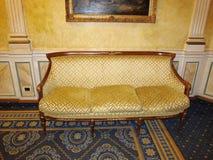 Sofá de lujo en Roma Imagenes de archivo