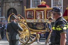 Sofá de oro de Alexander el rey de la familia holandesa de Brother fotografía de archivo