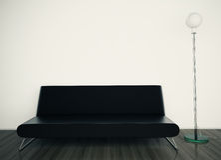 Sofá e lâmpada modernos no quarto Imagens de Stock