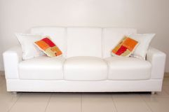 Sofá - interiores Imagens de Stock Royalty Free