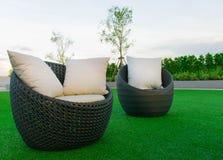 Sofá no jardim Foto de Stock