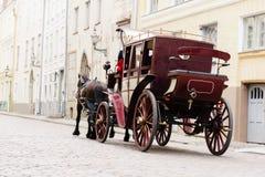 Sofá velho bonito na cidade velha Viajando, romance, concep do amor Imagens de Stock Royalty Free