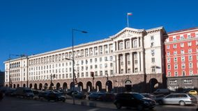 SOFÍA, BULGARIA - 20 DE DICIEMBRE DE 2016: Cuadrado de Nezavisimost de la independencia en Sofía Imágenes de archivo libres de regalías