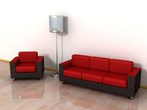 Sofá de cuero rojo, butaca y lámpara de suelo con estilo Fotos de archivo libres de regalías