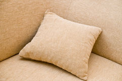Sofà e cuscino. Fotografia Stock