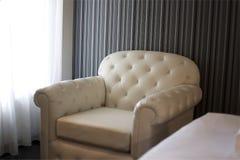 Sofá en el dormitorio Fotos de archivo libres de regalías