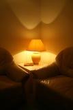 Sofá y lámpara Fotografía de archivo