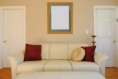 Sofá y sala de estar Imagen de archivo libre de regalías