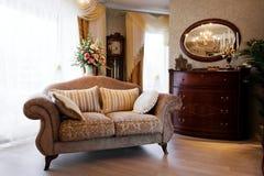 Sofa à un hublot image libre de droits