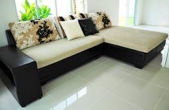 Sofa avec des oreillers Image stock
