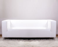 Sofa de cuir blanc Images stock