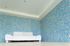 Sofa des weißen Leders Stockbild