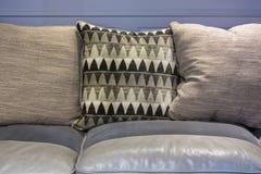 Sofa en cuir de cru photos stock