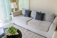 Sofa et oreillers Photographie stock