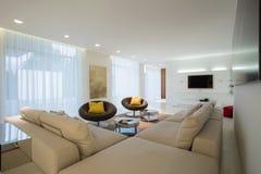 Sofa faisant le coin confortable Images libres de droits