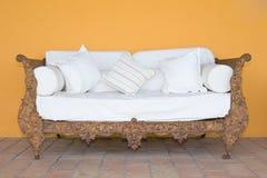 Sofa grunge de fer de cru Images stock
