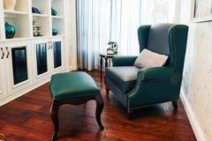 Sofa im Restraum Lizenzfreies Stockbild