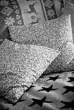 Sofa mit Kissen, Sofa Stockbild