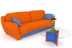 Sofa orange bleu avec un narguilé Images libres de droits